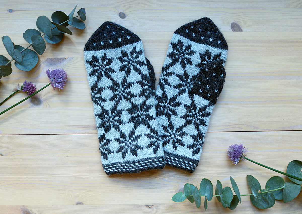 Starmittens from Finland