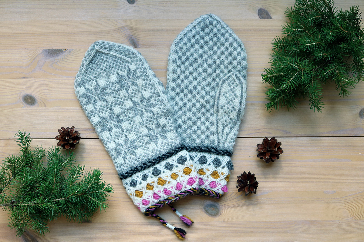 Traditional mittens from Denmark